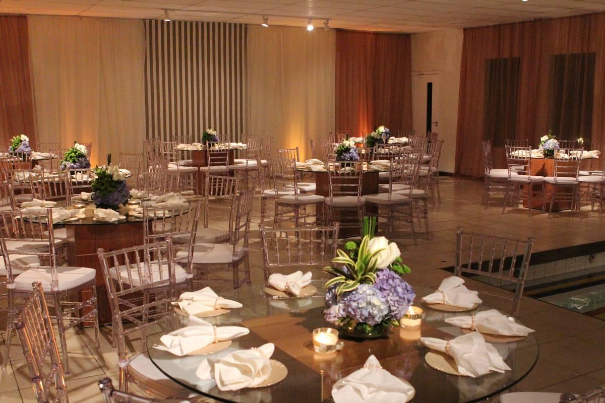Festas de Casamento no Espaço Lounge. Casa de Festas Club Lounge