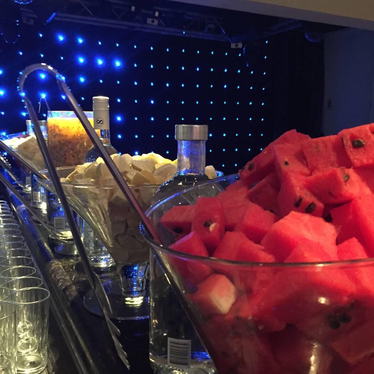 Open Bar para Festas de Debutantes e Casamentos - Club Lounge Casa de Festas na Barra da Tijuca