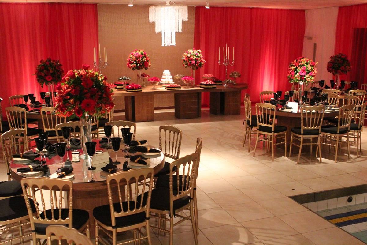 Espaço para Festas de Debutantes e Casamentos